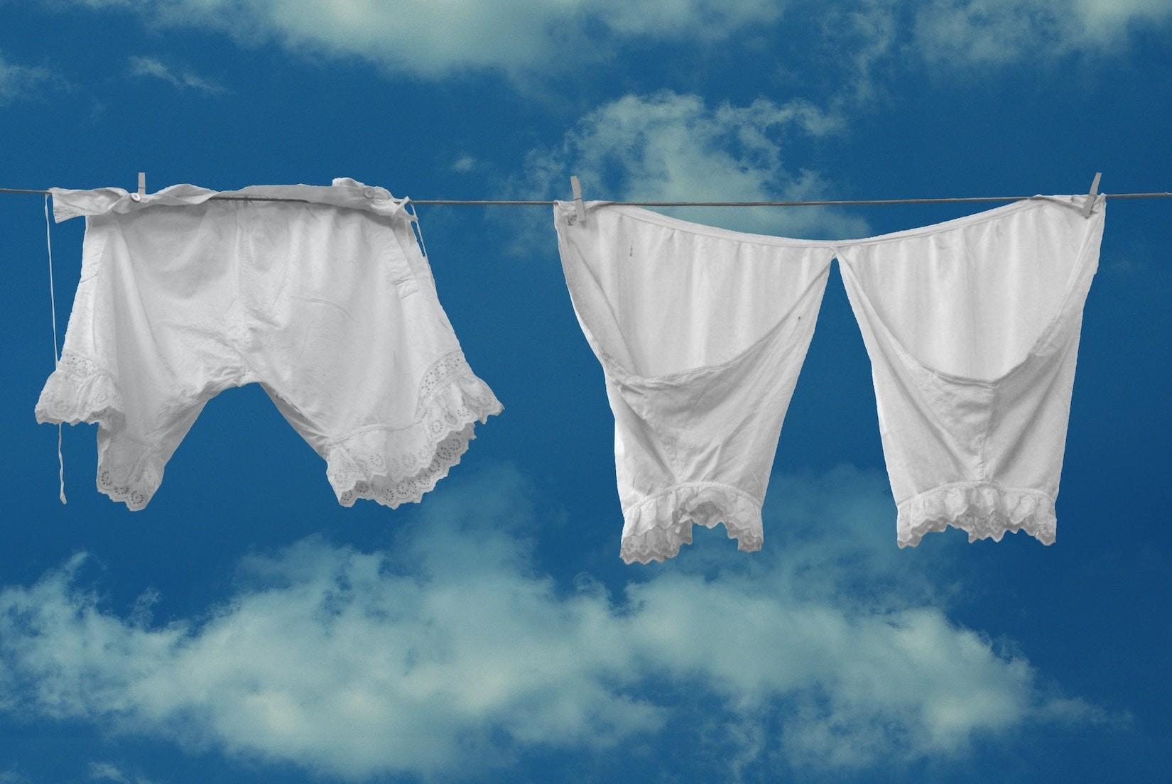 Darf mein Chef mir die Unterwäsche vorschreiben
