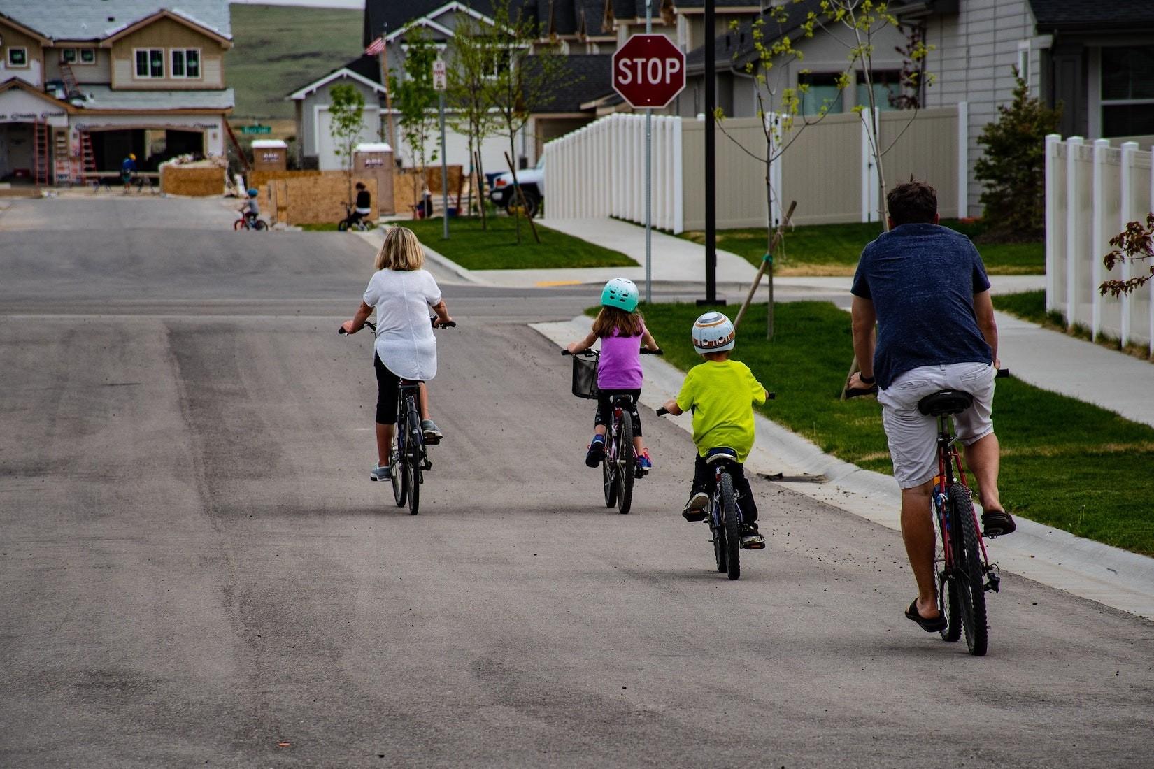 Liebe Fahrradfahrer, aufgepasst: Kein Helm - Kein Geld?